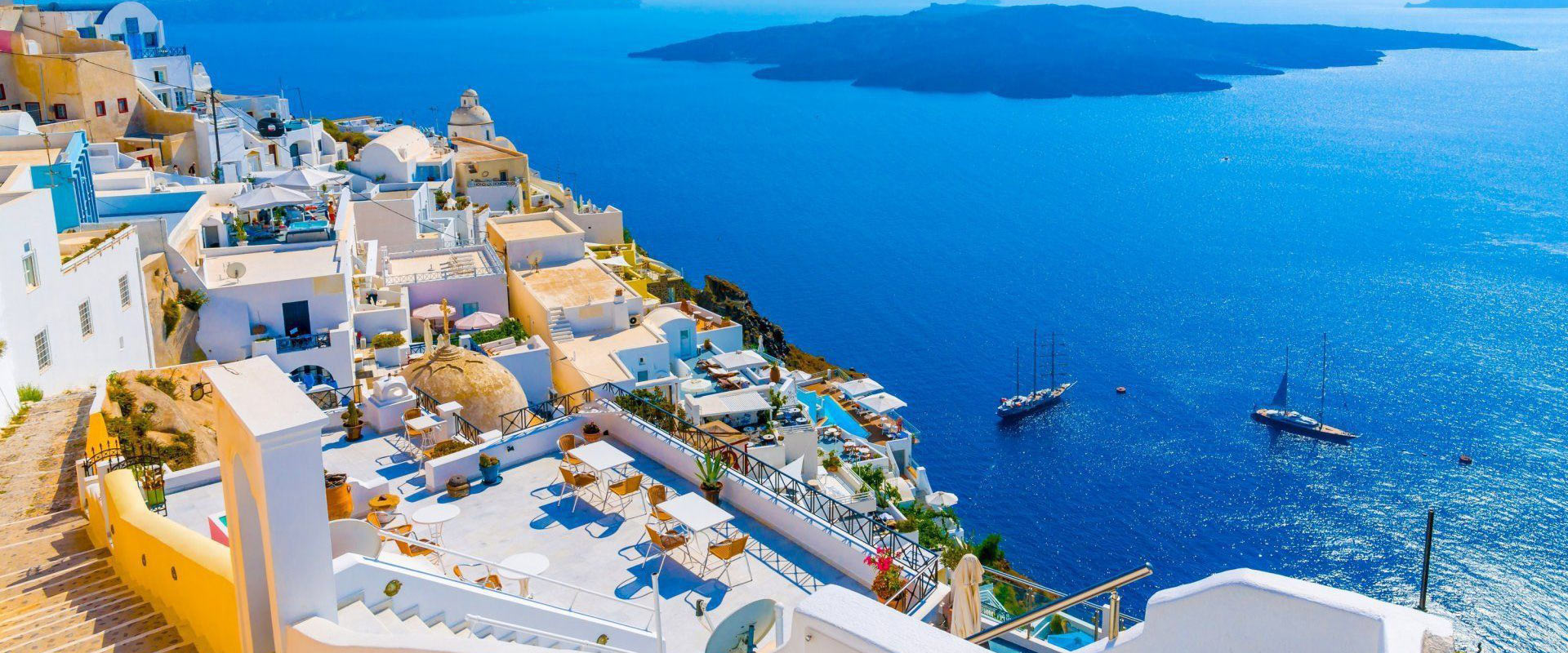 Spend your vacation in Santorini, the most mesmerizing island
